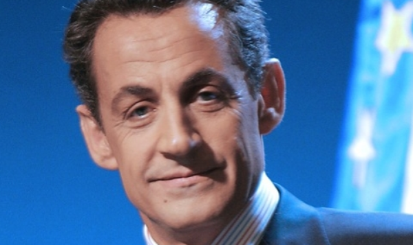 Nicolas Sarkozy annonce un nouveau gouvernement sous 48 heures s'il est lu 